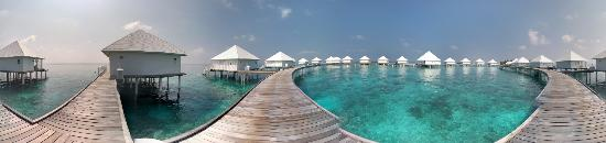 ‪دايموندز ذودوفوشي بيتش آند ووتر فيلاز: Water Villas Panorama