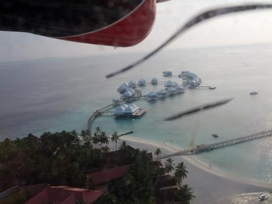 Diamonds Thudufushi: View from the Air Taxi