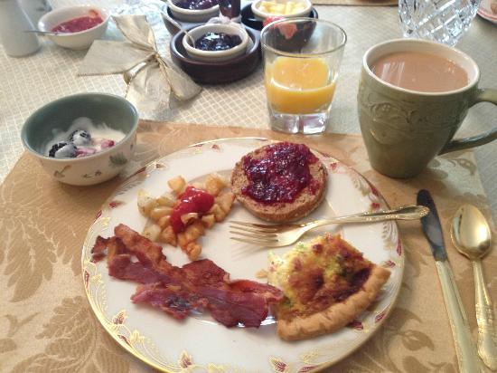 Black's Fort Inn Bed & Breakfast: Breakfast