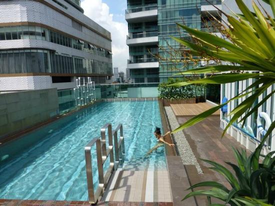 Amora Neoluxe: The rooftop pool