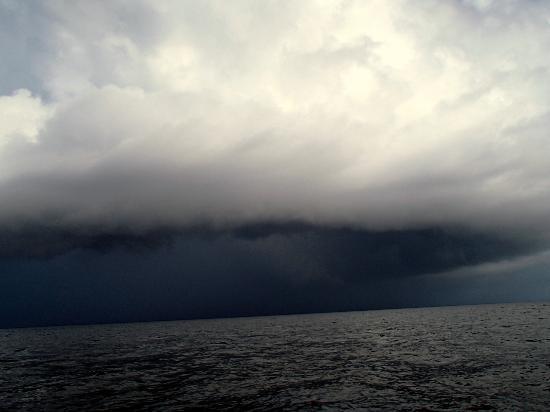 Mayan Princess Beach & Dive Resort: Nasty rain storm when out fishing