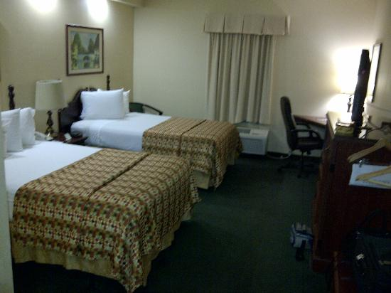 Baymont by Wyndham Lakeland: Accessible room 123