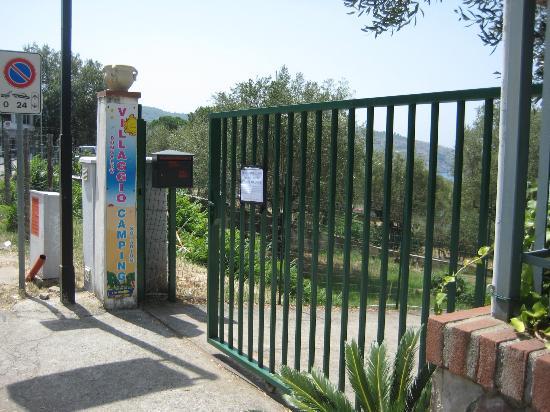 Camping Maddalena: entrata principale (non funzionante)