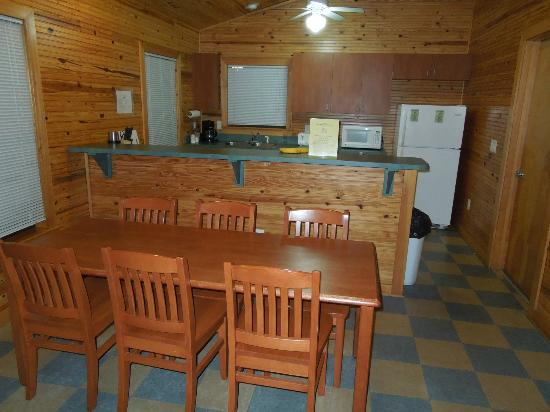 Lake Louisa State Park: Dining Table U0026 Kitchen, Cabin 2