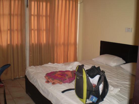Natalia Airport Reach Hotel: chambre