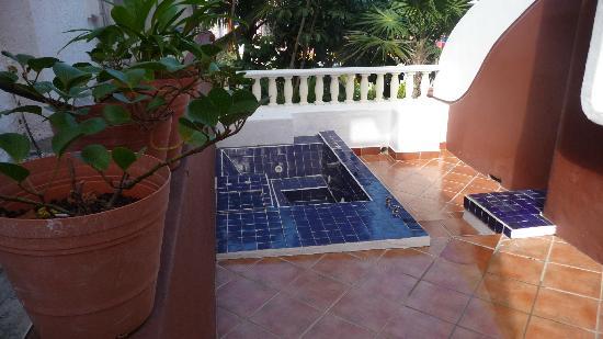 Mía Cancún: Balcony jacuzzi