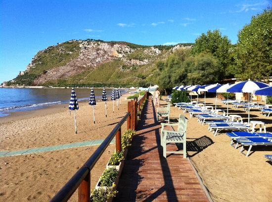 Hotel Acquasanta: vista spiaggia