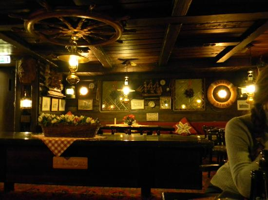 The Red Boat Hotel & Hostel: Richly decorated reception/common room