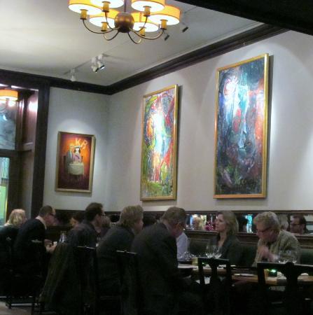 Konstnärsbaren: La salle du restaurant KB