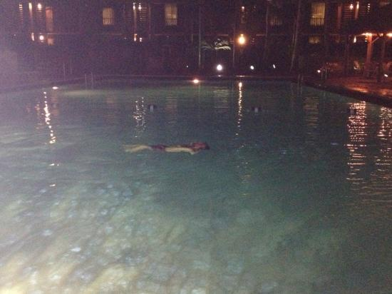 Hilton Garden Inn Orlando at SeaWorld: kids pool at night....chillin!