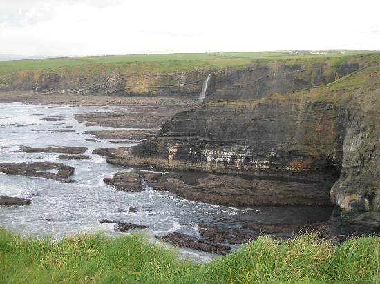 Bromore Cliffs: views from cliff walk - heaven for geology ! 