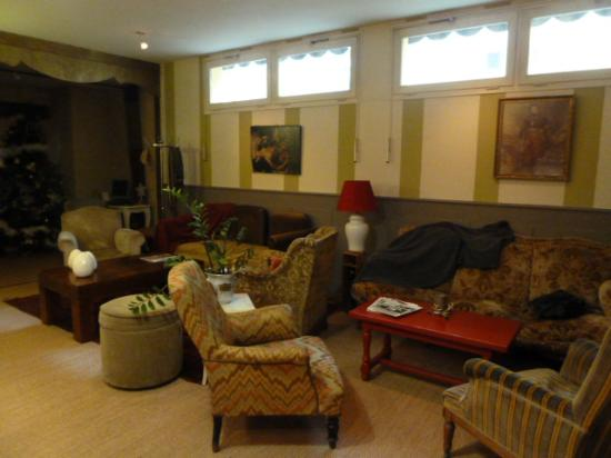 Hotel Restaurant St. Albert : Lounge near the dining room (1)