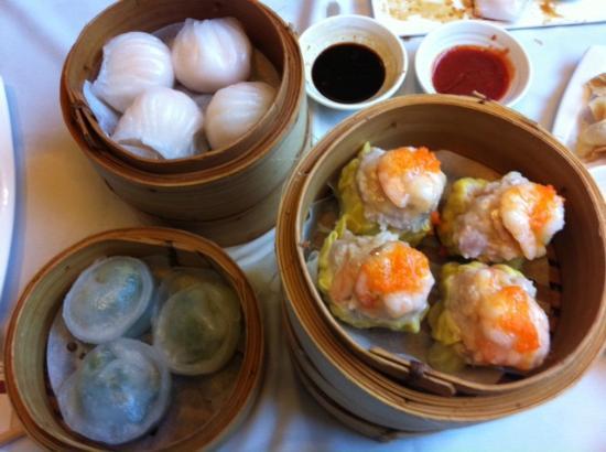 iCook Buffet: har gow, sui mei and shrimp chive dumplings-delicious