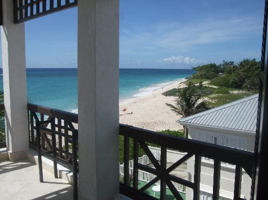 Silver Point Hotel: looking down the beach form the balcony