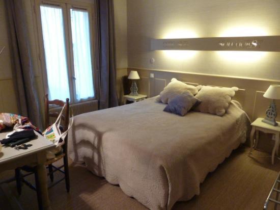 Hotel Restaurant St. Albert: My pretty room