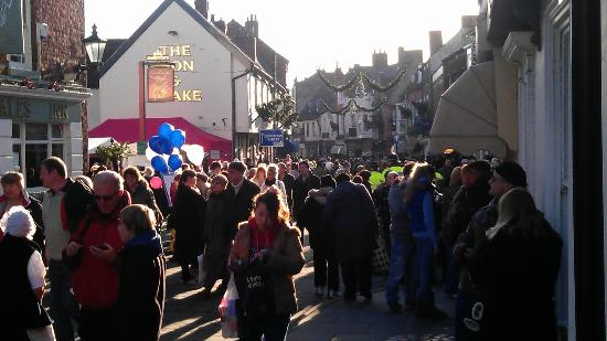 Lincoln Christmas Market: Masses of people