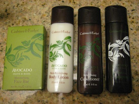 Embassy Suites by Hilton Boston - at Logan Airport: Bath Products