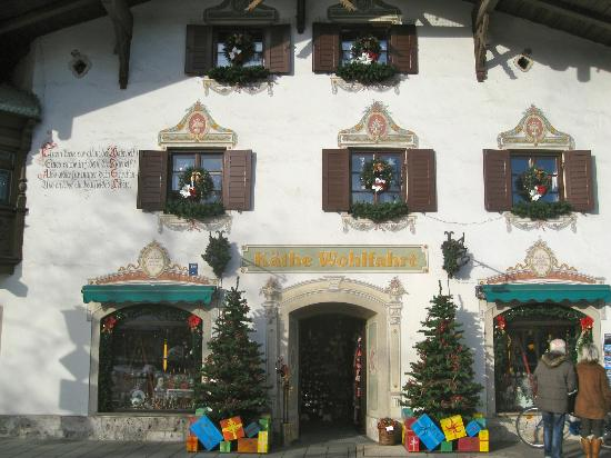 "Reindl's Partenkirchner Hof: Shopping is a ""Must"", especially at Christmas! This is one of the best places!"