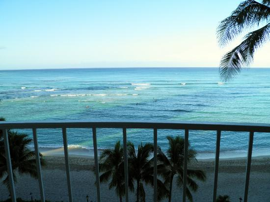 Moana Surfrider, A Westin Resort & Spa: View from balcony