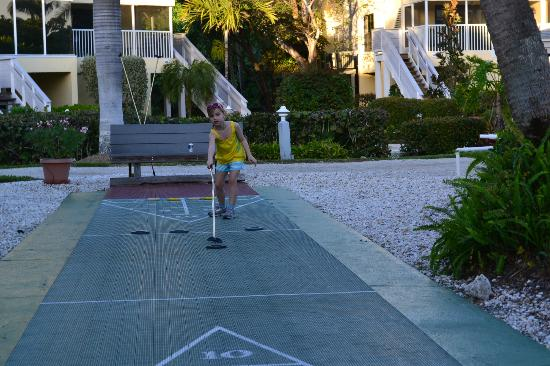 Tortuga Beach Club Resort: Shuffleboard
