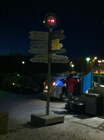 Scandic Alta: Signpost outside hotel - yes it does say -14C