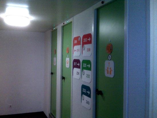 HôtelF1 Lille Métropole : Le bloc sanitaires