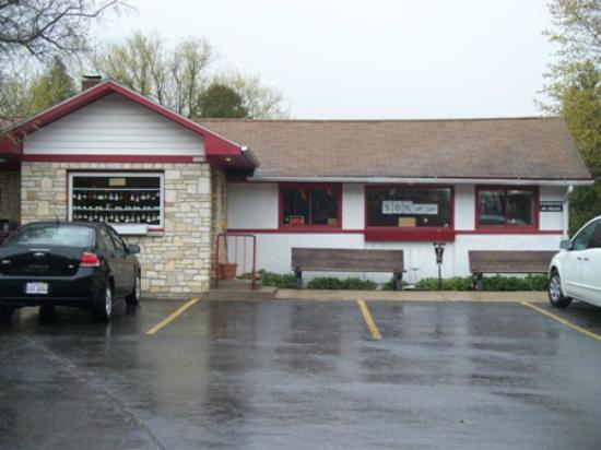 The Village Cafe: 7918 State Rd 42, Egg Harbor WI