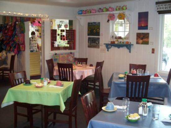 The Village Cafe: Cafe Dining in Door County