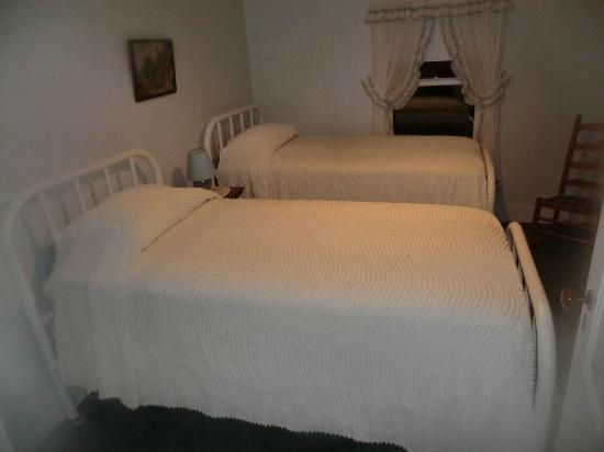 Gibson's West Harbor Resort: Comfy Singles!