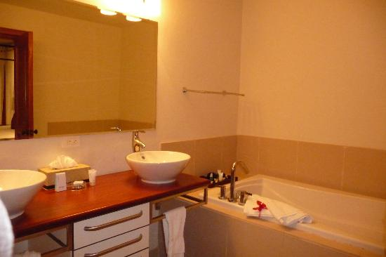 Nonsuch Bay Resort: Bathroom