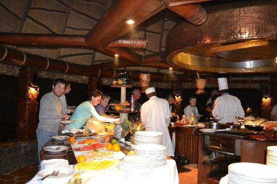 Serengeti Serena Safari Lodge: Comedor