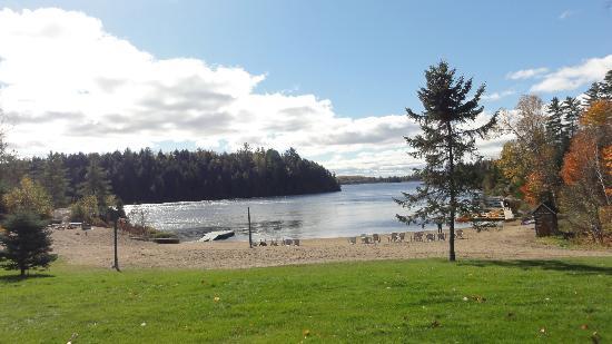 Pourvoirie Du Lac Blanc: Plage