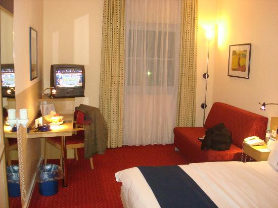 Holiday Inn Express Frankfurt-Airport: Single room