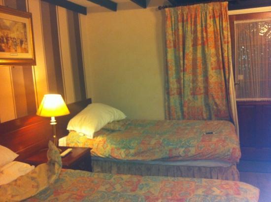 The Godstone Hotel: the room