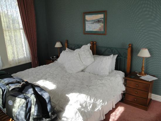The Cathedral Inn: Our room