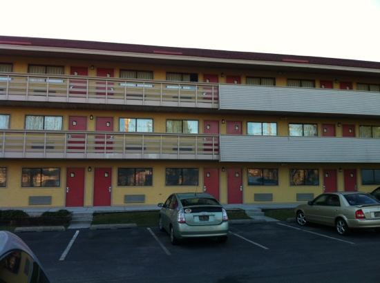 Red Roof PLUS+ Baltimore North - Timonium: new colors