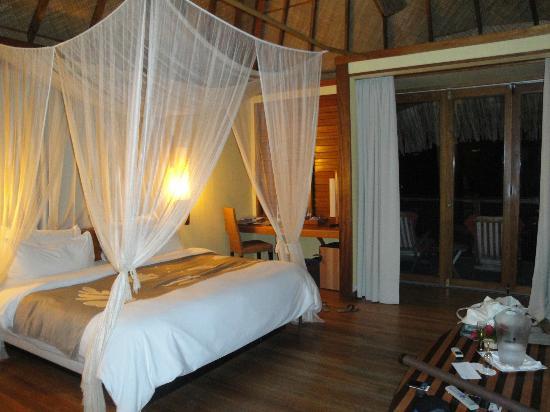 Le Meridien Tahiti: Inside the bungalow