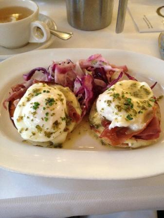 Hamersley's Bistro: poached eggs - better than any egges benedict!