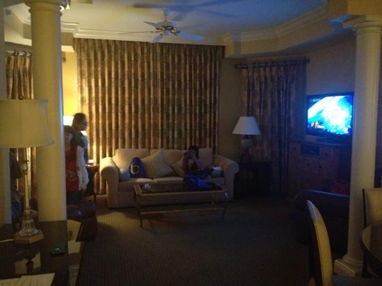 Omni Orlando Resort at Championsgate: living room