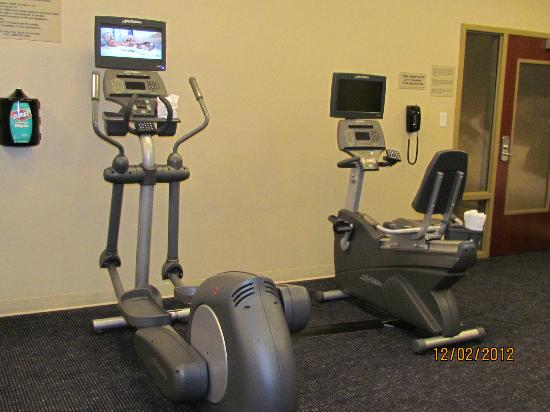 SpringHill Suites by Marriott Pigeon Forge : Small but well-equipped workout room