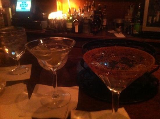 Michaels Restaurant: good martini!!!
