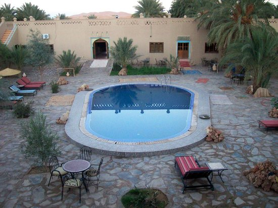 Hotel Ksar Merzouga :                   View of pool from terrace