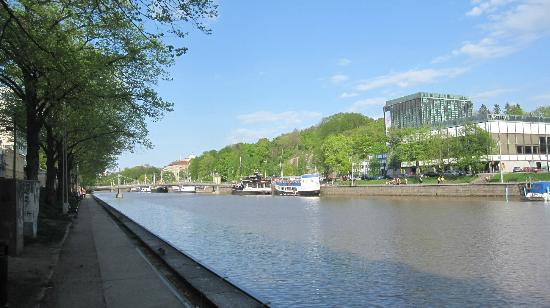 Radisson Blu Marina Palace Hotel, Turku: waterfront walkway at your doorstep
