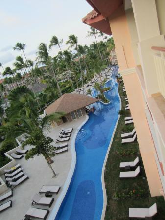 Majestic Colonial Punta Cana: new club pool with swim up bar and comfy new loungers