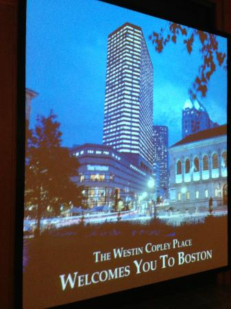 The Westin Copley Place, Boston: Picture of the hotel outside their entrance to the Copley Mall