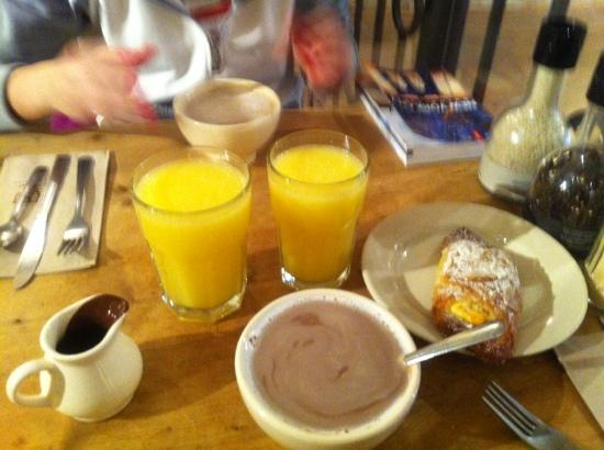 Le Pain Quotidien: our breakfast
