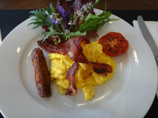 Amour Queenstown Luxury Accommodation: Breakfast by Rose~ Yummy >///<