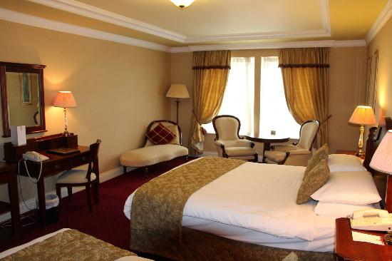 Meadowlands Hotel : our room-executive twin