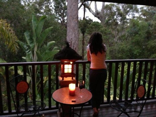 River'esque: Balcony at dusk