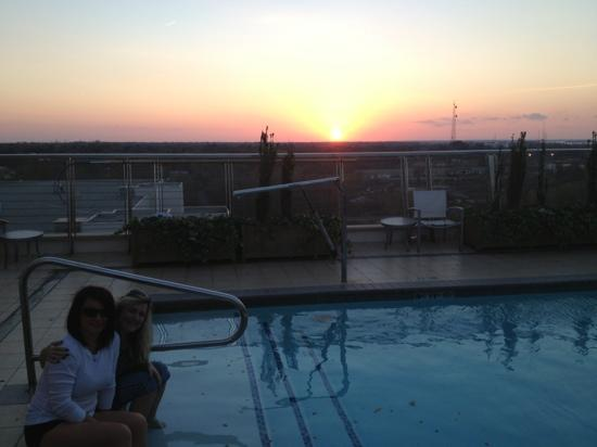 Hilton Shreveport: sunset from the roof pool area